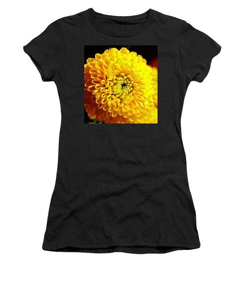 Yellow Mum Women's T-Shirt