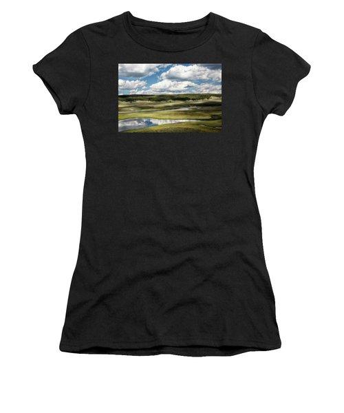 Yellowstone Hayden Valley National Park Wall Decor Women's T-Shirt