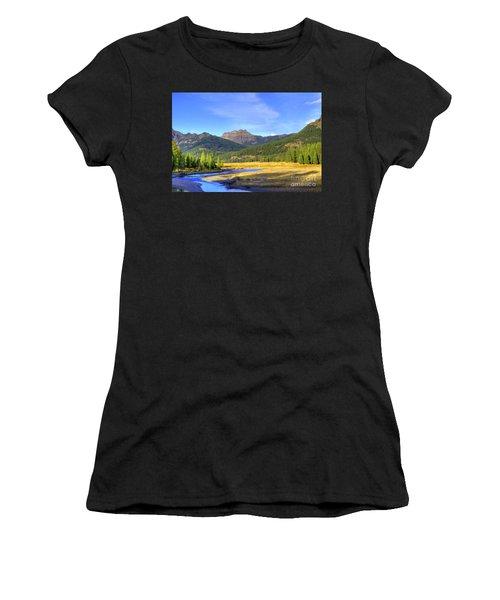 Yellowstone National Park Landscape Women's T-Shirt