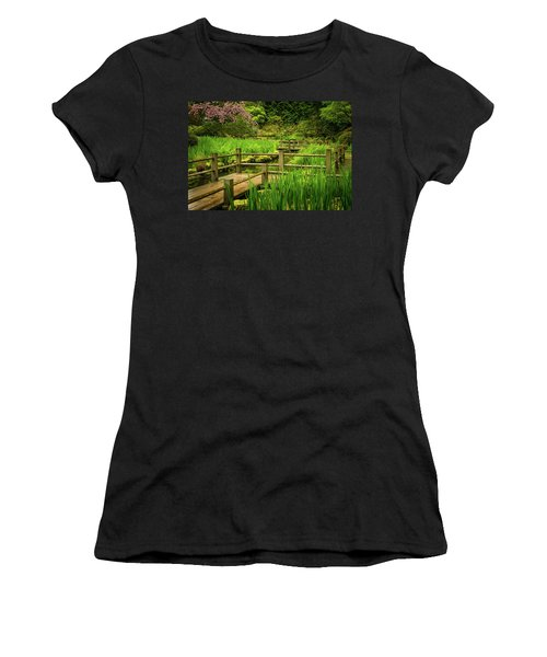 Zig Zag Bridge Women's T-Shirt (Athletic Fit)