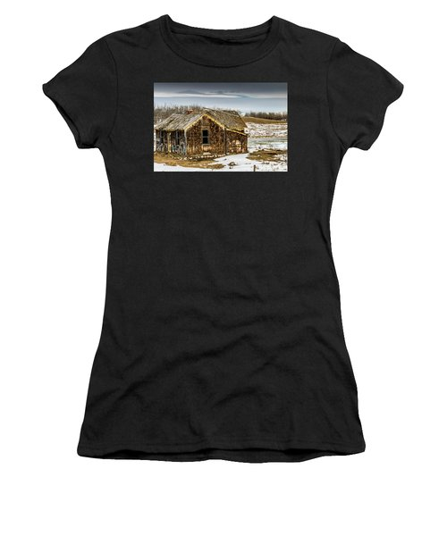 Abondened Old Farm Houese And Estates Dot The Prairie Landscape, Women's T-Shirt