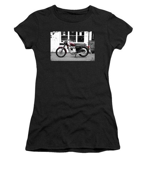 The 1970 Bonneville T120rt Women's T-Shirt