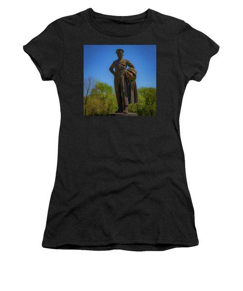 Carlyle Ike Women's T-Shirt