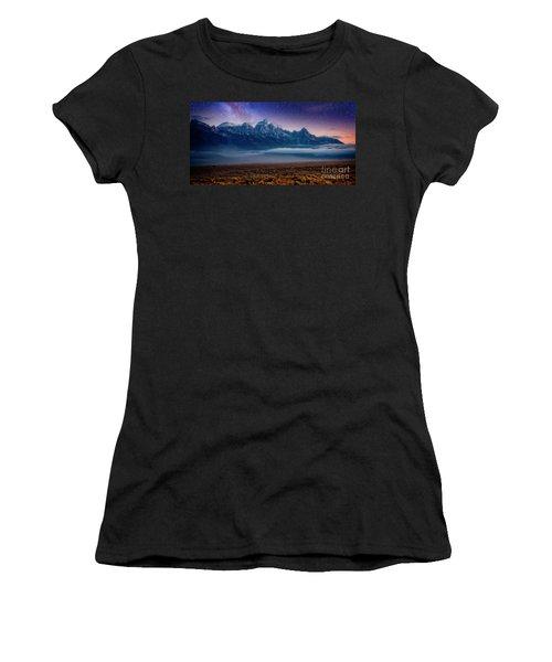 Dawn Breaks Women's T-Shirt