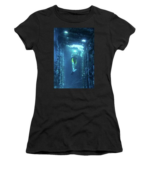 Diver In The Patris Shipwreck Women's T-Shirt