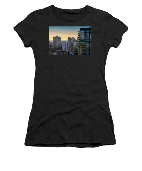 Dusky Hues Over The Pacific Women's T-Shirt