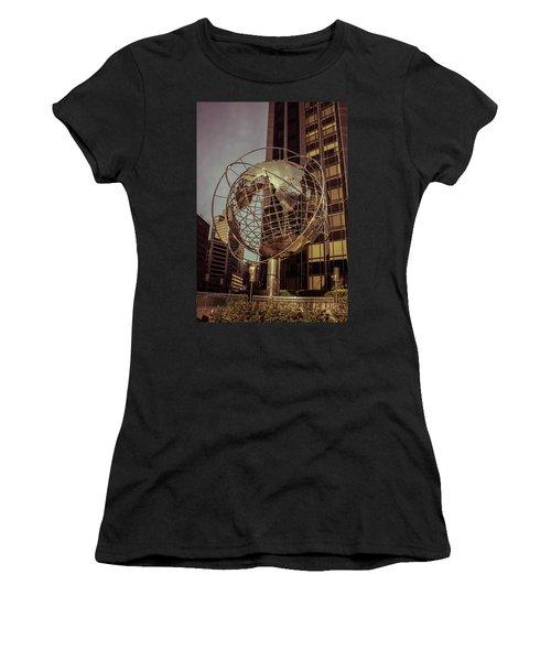 Globe 2 Women's T-Shirt