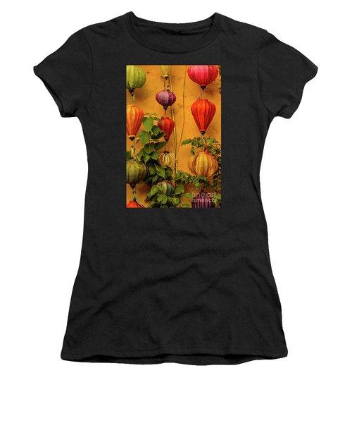 Hoian 02 Women's T-Shirt