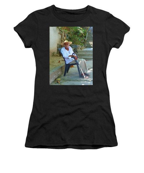 Women's T-Shirt featuring the photograph Hola Senor by Rosanne Licciardi