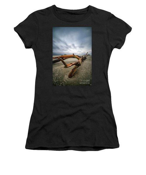 Hurricane Florence Beach Log - Portrait Women's T-Shirt