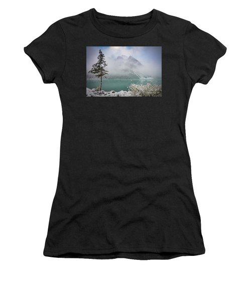 Lake Louise Lonesome Tree   Women's T-Shirt