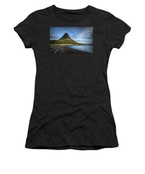 Mt Kirkjufell Women's T-Shirt