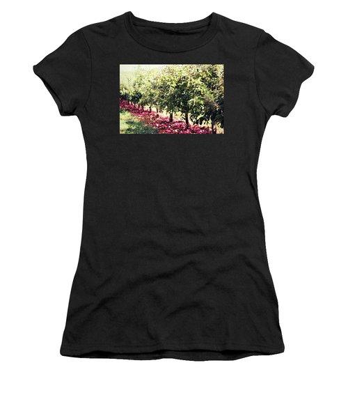 Row Of Red Women's T-Shirt