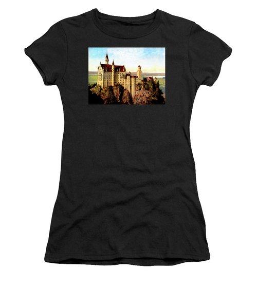 Schloss Neuschwanstein Remastered Women's T-Shirt