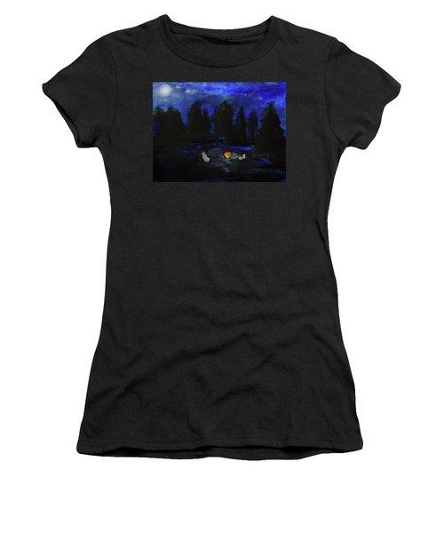 Snowmen Enjoy The Campfire  Women's T-Shirt