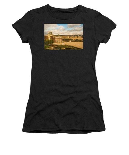 The Louvre Women's T-Shirt