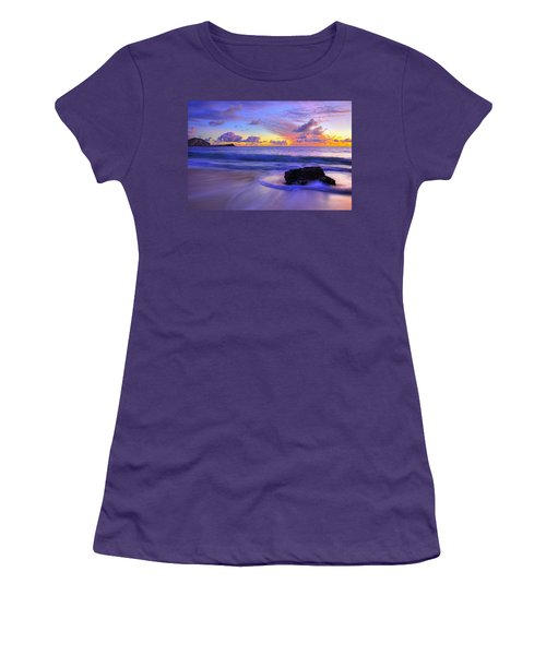 Oahu Sunrise Women's T-Shirt (Athletic Fit)