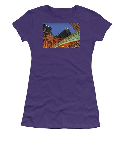 Pershing Square Women's T-Shirt (Athletic Fit)