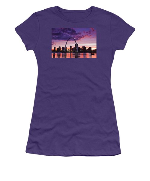 St Louis Sunset Women's T-Shirt (Athletic Fit)