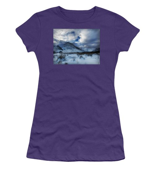 Winter At Tryfan Women's T-Shirt (Athletic Fit)