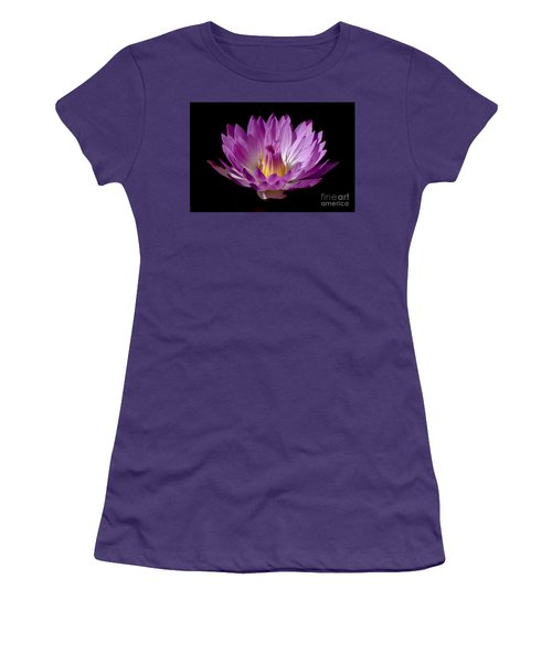 Beautiful Pink Pearl Lily Women's T-Shirt (Athletic Fit)