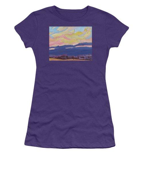 Beaver Sunset Women's T-Shirt (Athletic Fit)