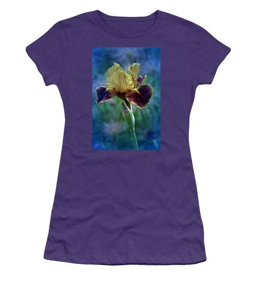 Vintage Boy Wonder Iris Women's T-Shirt (Junior Cut) by Richard Cummings