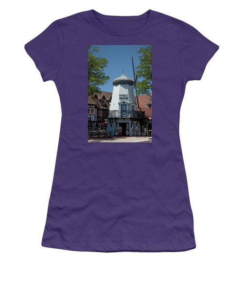 Hamlet Square Women's T-Shirt (Athletic Fit)