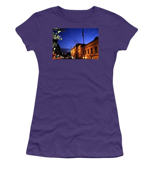 Metropolitan Museum Of Art Nyc Women's T-Shirt (Athletic Fit)