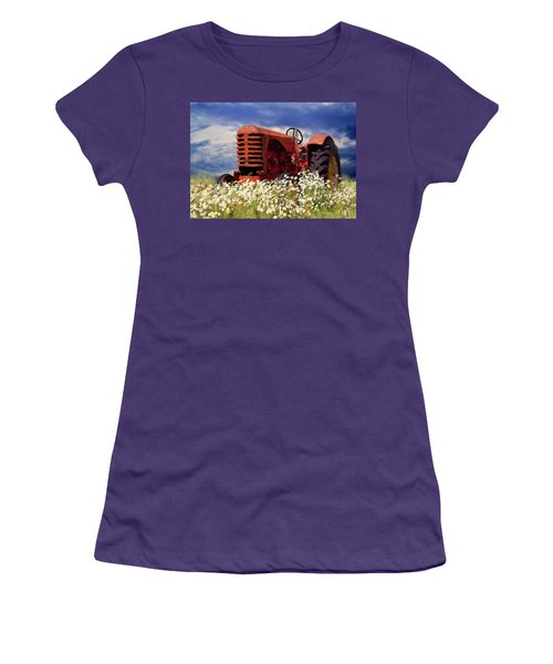 Old Red Tractor Women's T-Shirt (Athletic Fit)