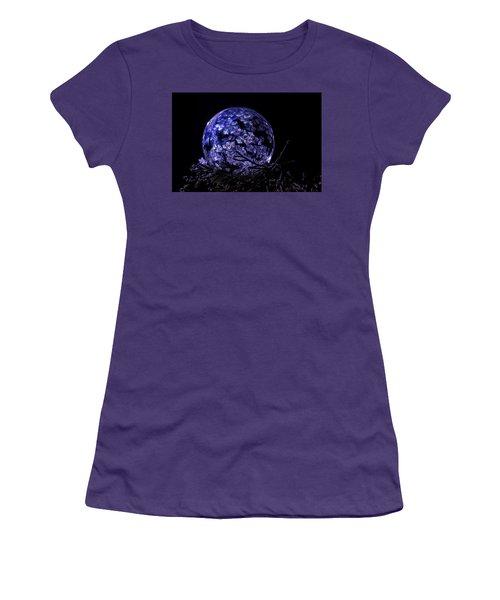 Purple Frozen Bubble Art Women's T-Shirt (Athletic Fit)