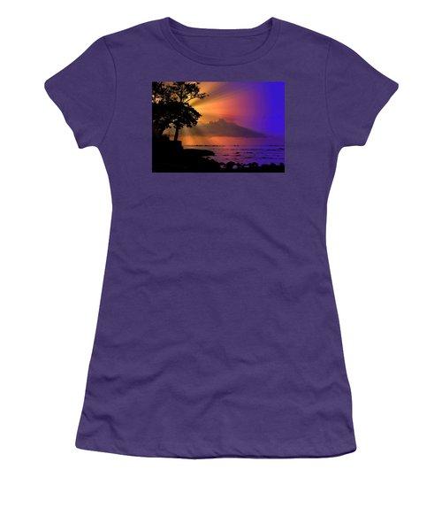 Women's T-Shirt (Junior Cut) featuring the photograph Sun Rays Sunset by Lori Seaman