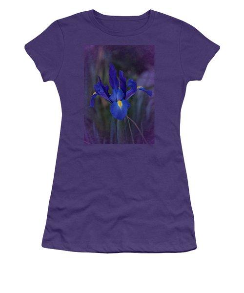 Vintage Blue Magic Iris Women's T-Shirt (Junior Cut) by Richard Cummings