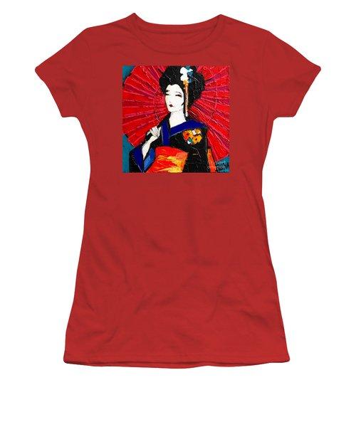 Geisha Women's T-Shirt (Athletic Fit)