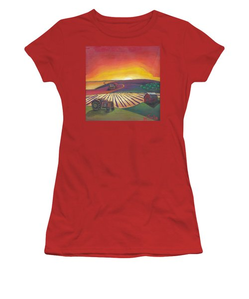 'the Farm' Women's T-Shirt (Athletic Fit)
