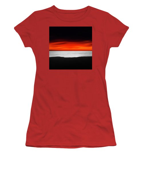 Between Red And Black Women's T-Shirt (Athletic Fit)