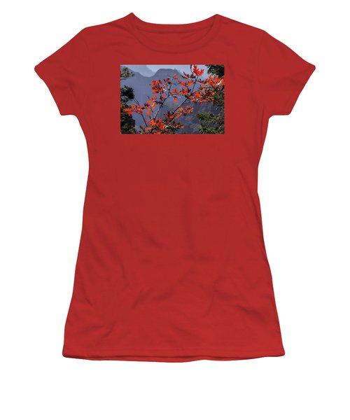 Gamble Oak In Crimson Fall Splendor Women's T-Shirt (Athletic Fit)