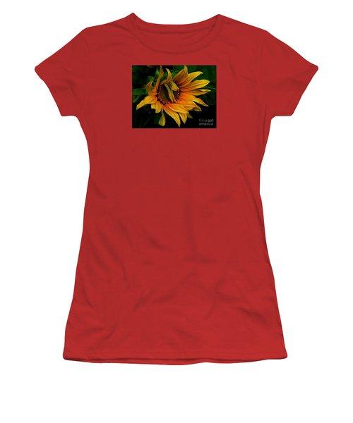 I Need A Comb Women's T-Shirt (Junior Cut) by Elfriede Fulda