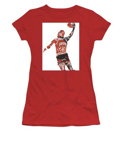 Michael Jordan Chicago Bulls Pixel Art 16 Women's T-Shirt (Athletic Fit)