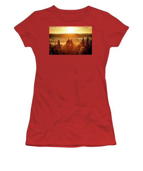 Sun Rising At Swamp Women's T-Shirt (Athletic Fit)