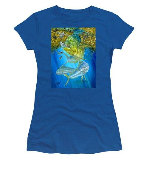 Mahi Mahi Hunting In Sargassum Women's T-Shirt (Athletic Fit)