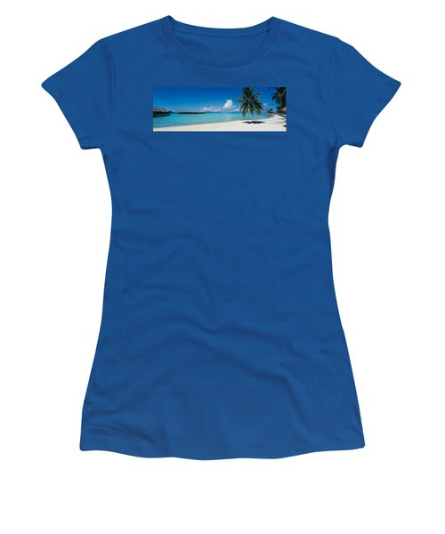 Palm Tree On The Beach, Moana Beach Women's T-Shirt (Athletic Fit)