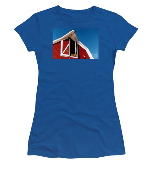 Barn Women's T-Shirt (Athletic Fit)