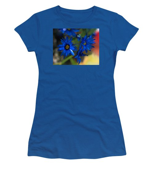 Blue Dyed Daisies  Women's T-Shirt
