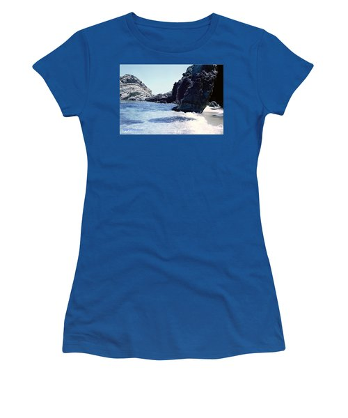 Calming Waves Women's T-Shirt (Athletic Fit)