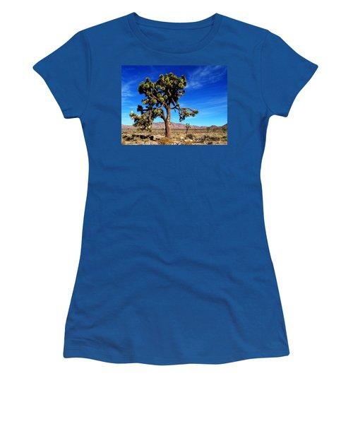 Giant Joshua Women's T-Shirt