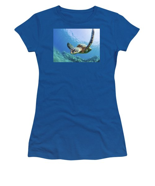 Green Sea Turtle - Maui Women's T-Shirt (Athletic Fit)