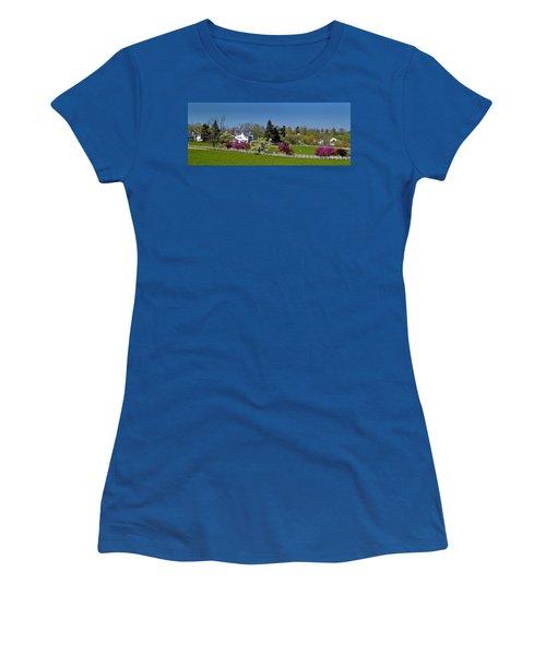 Kentucky Horse Farm Women's T-Shirt (Athletic Fit)