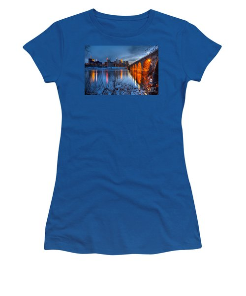 Minneapolis Skyline Images Stone Arch Bridge Spring Evening Women's T-Shirt