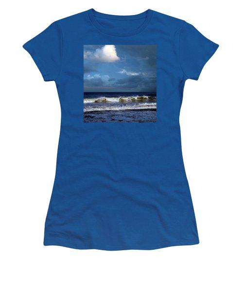 Nor'easter Blowin' In Women's T-Shirt
